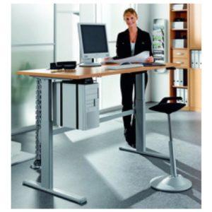 Höhenverstellbarer schreibtisch   Elektrisch höhenverstellbarer Schreibtisch von Iovio im Test ...
