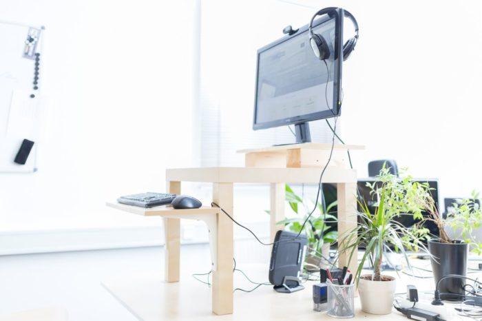 h henverstellbarer schreibtisch selber bauen hoehenverstellbarer schreibtisch. Black Bedroom Furniture Sets. Home Design Ideas