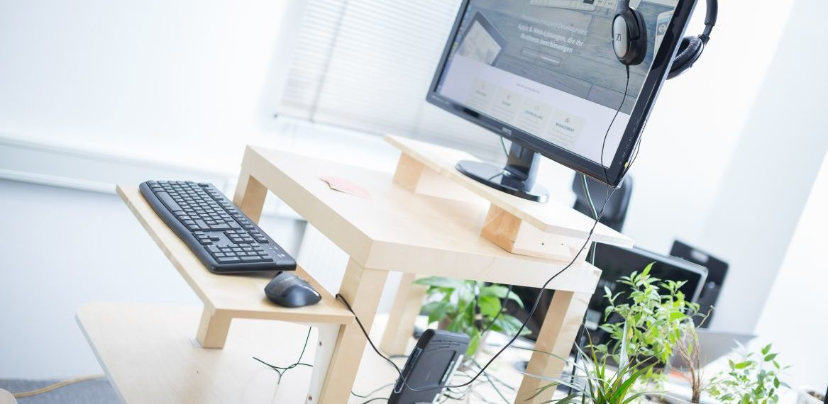 Etwas Neues genug Höhenverstellbarer Schreibtisch: selber bauen @MX_77