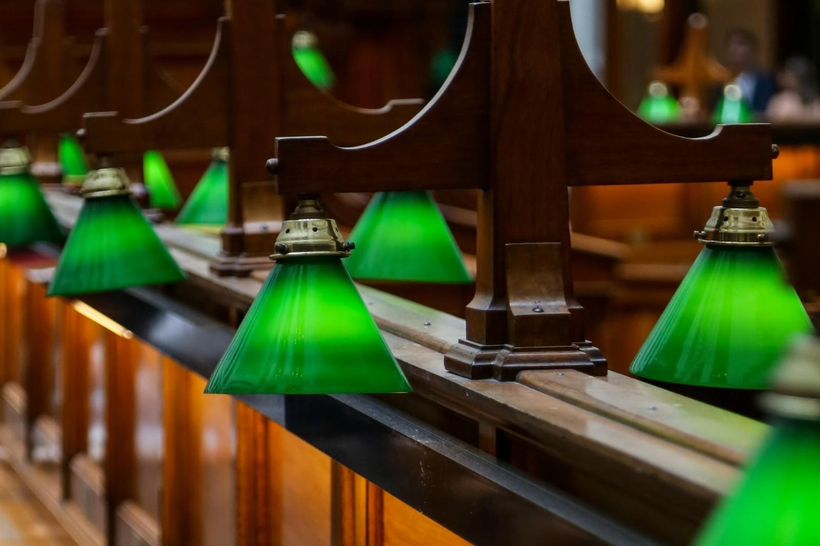 schreibtischlampe bibliothek grün